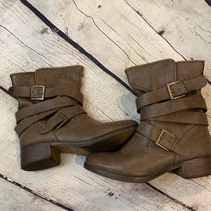 Justfab strappy boots in taupe